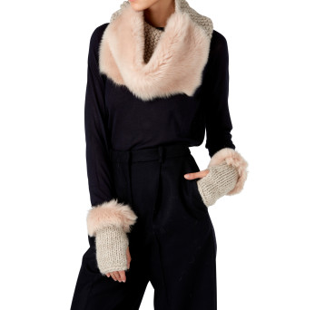 Gushlow and Cole Shearling Knit Mittens in Blossom
