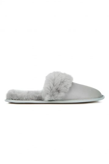 grey shearling travel slider slippers - women | gushlow and cole - cell image 2