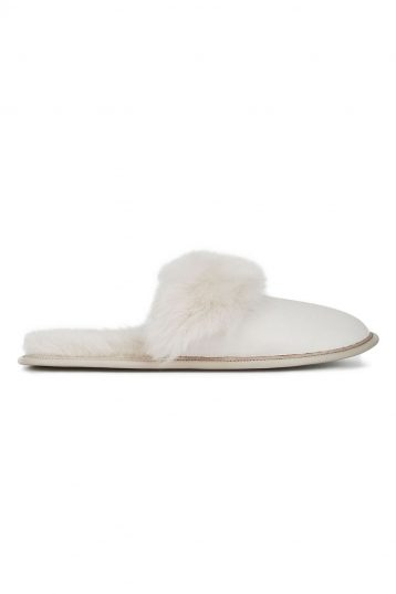 cream shearling travel slider slippers - women | gushlow and cole - cell image 2