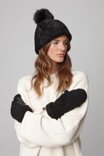 shearling text mitten in black - women | gushlow and cole - cell image 1