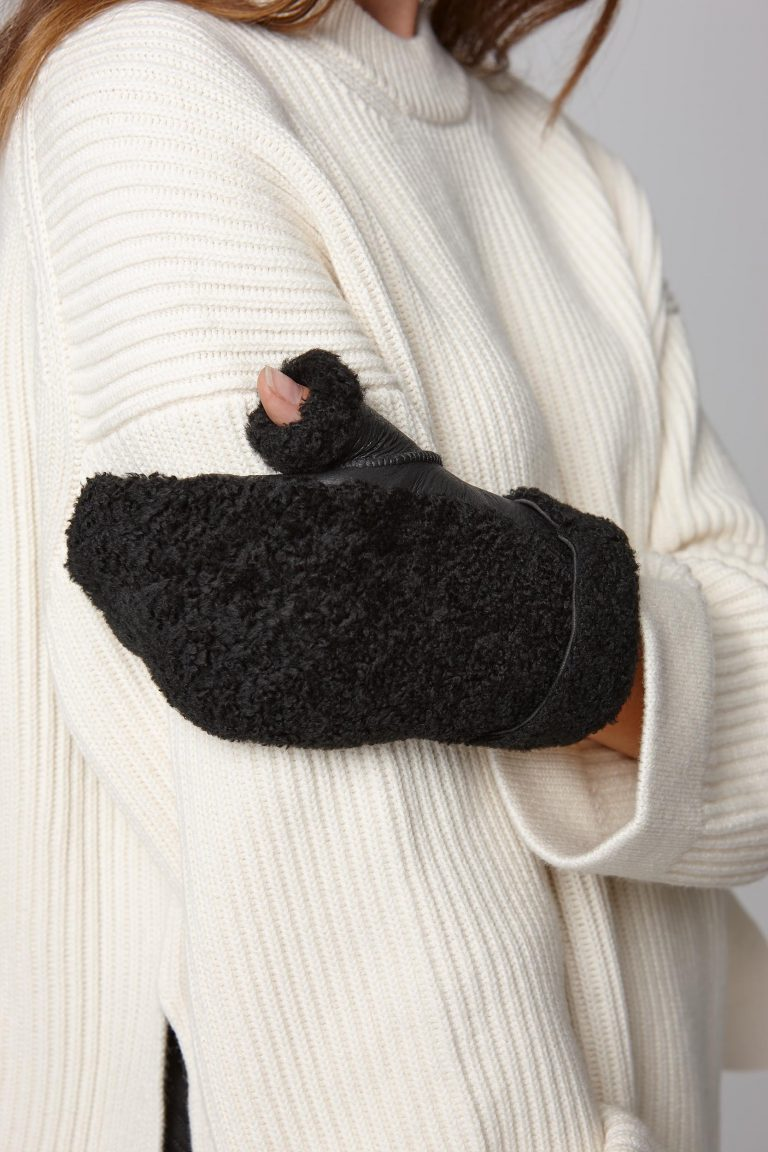 shearling text mitten in black - women | gushlow and cole - cell image 3