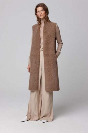 shearling sleeveless coat in camel - women | gushlow and cole - cell image 1