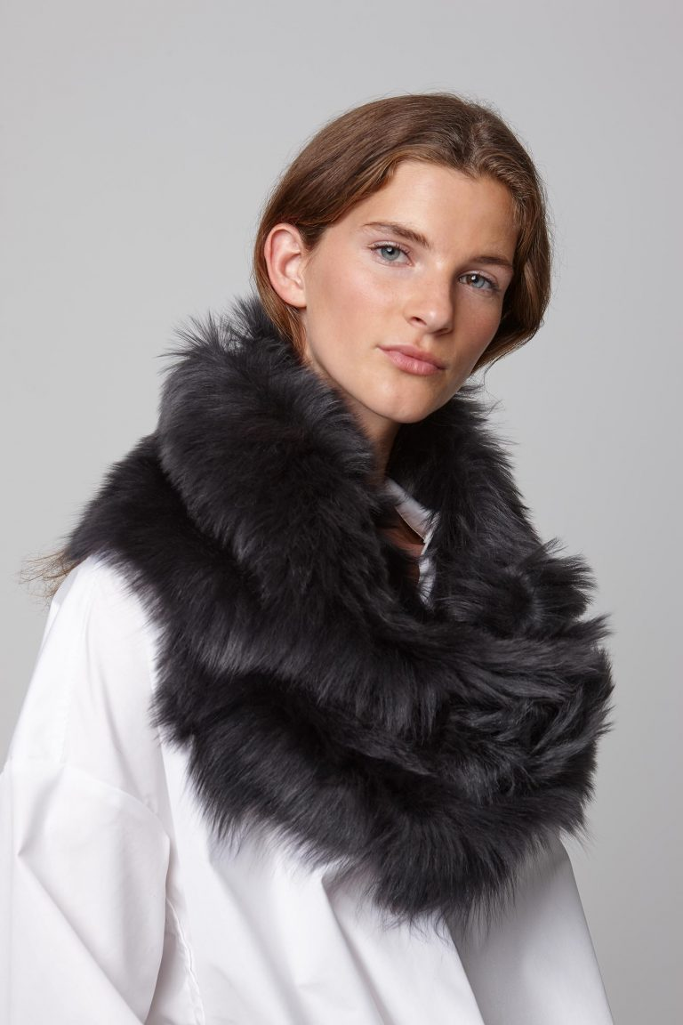 dark grey long shearling scarf - women   gushlow and cole - cell image 4