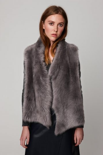rough cut grey shearling gilet - women | gushlow and cole - cell image 2