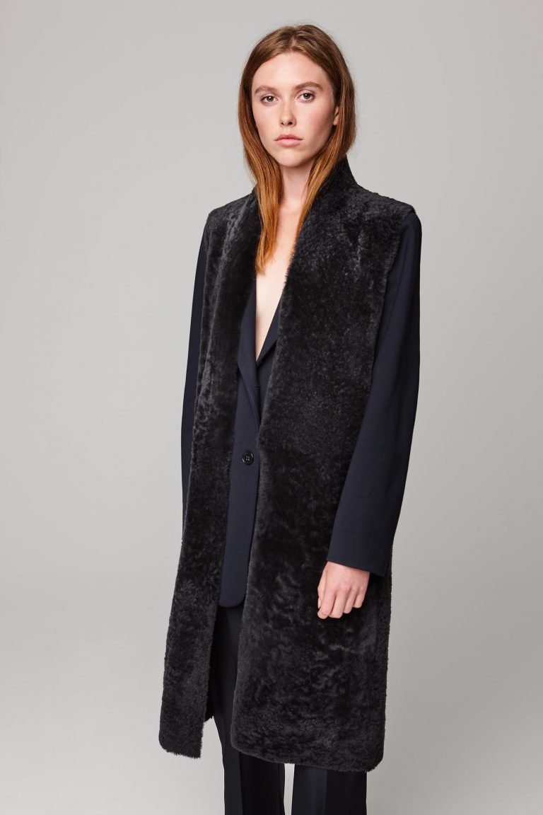 long stand collar grey shearling gilet - women | gushlow and cole - cell image 3