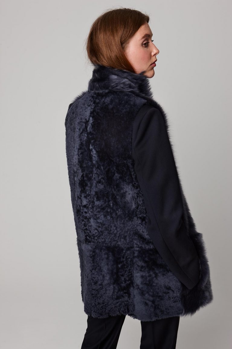 mid length mixed texture navy shearling gilet - women | gushlow and cole - cell image 3