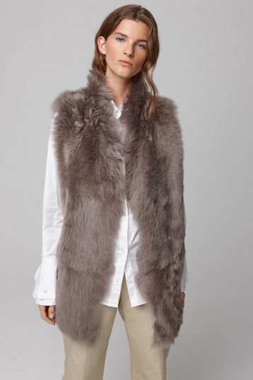 mid length mixed texture taupe shearling gilet - women | gushlow and cole - cell image 2
