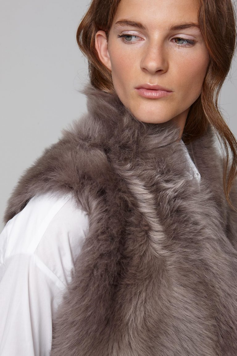 mid length mixed texture taupe shearling gilet - women | gushlow and cole - cell image 3