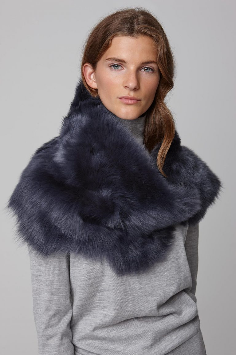 two button shearling snood scarf in navy - women | gushlow and cole - cell image 2