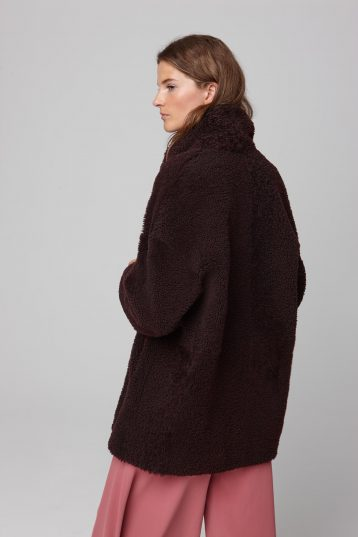notch collar burgundy shearling gilet - women | gushlow and cole - cell image 3