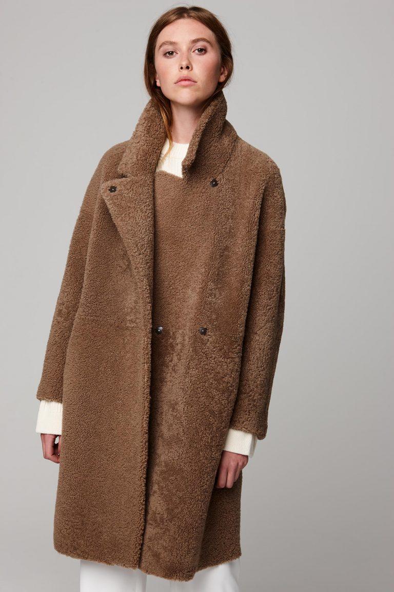 3notch collar camel shearling over coat - women | gushlow and cole - cell image 2