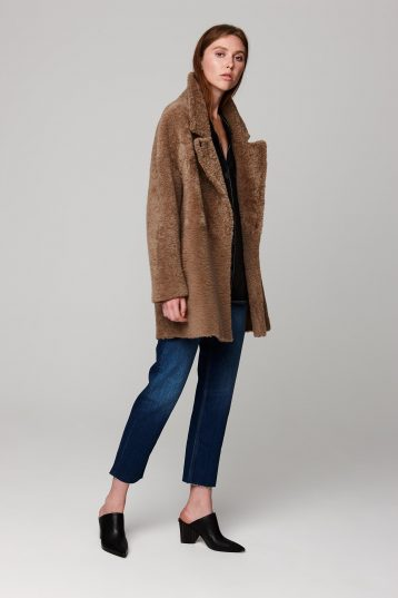 notch collar camel shearling gilet - women | gushlow and cole - cell image 1