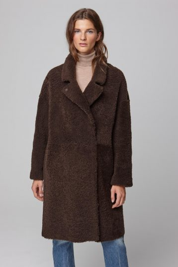 notch collar green shearling over coat - women | gushlow and cole - cell image 3