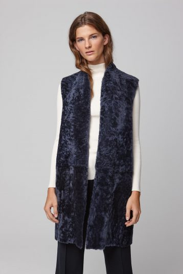 stand collar navy shearling gilet - women | gushlow and cole - cell image 2