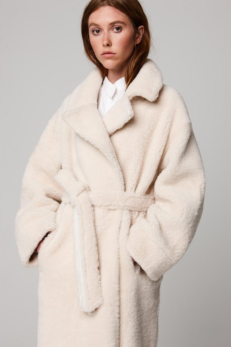 oversized shearling trench coat in white - women | gushlow and cole - cell image 5