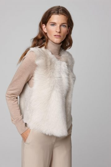 round neck short shearling gilet in white - women | gushlow and cole - cell image 2