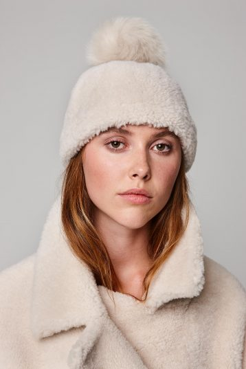 shearling beanie hat in white - women | gushlow and cole - cell image 1