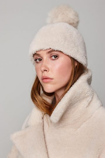 shearling beanie hat in white - women | gushlow and cole - cell image 2
