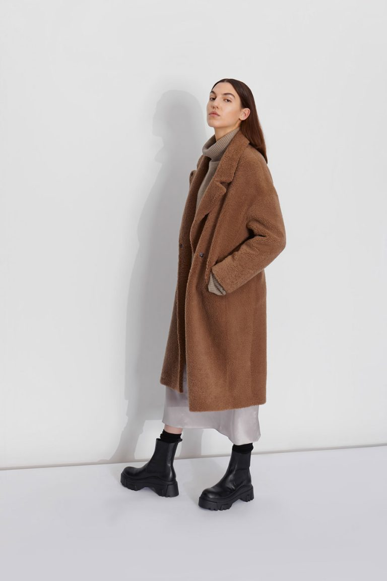 Notch Collar Shearling Coat and hand knit snood | Women | Gushlow & Cole model 3
