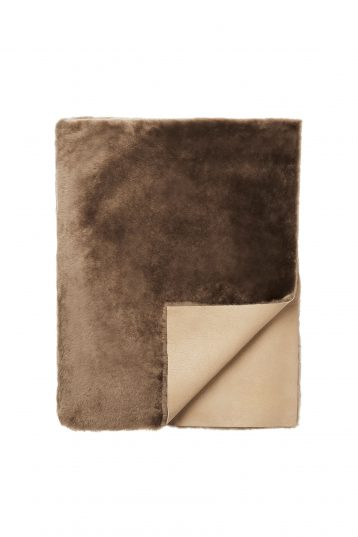 camel shearling throw - homewear | gushlow and cole - cell image 2