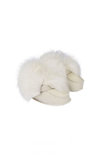 cream-shearling-baby-boots---kids-_-gushlow-and-Cole---1