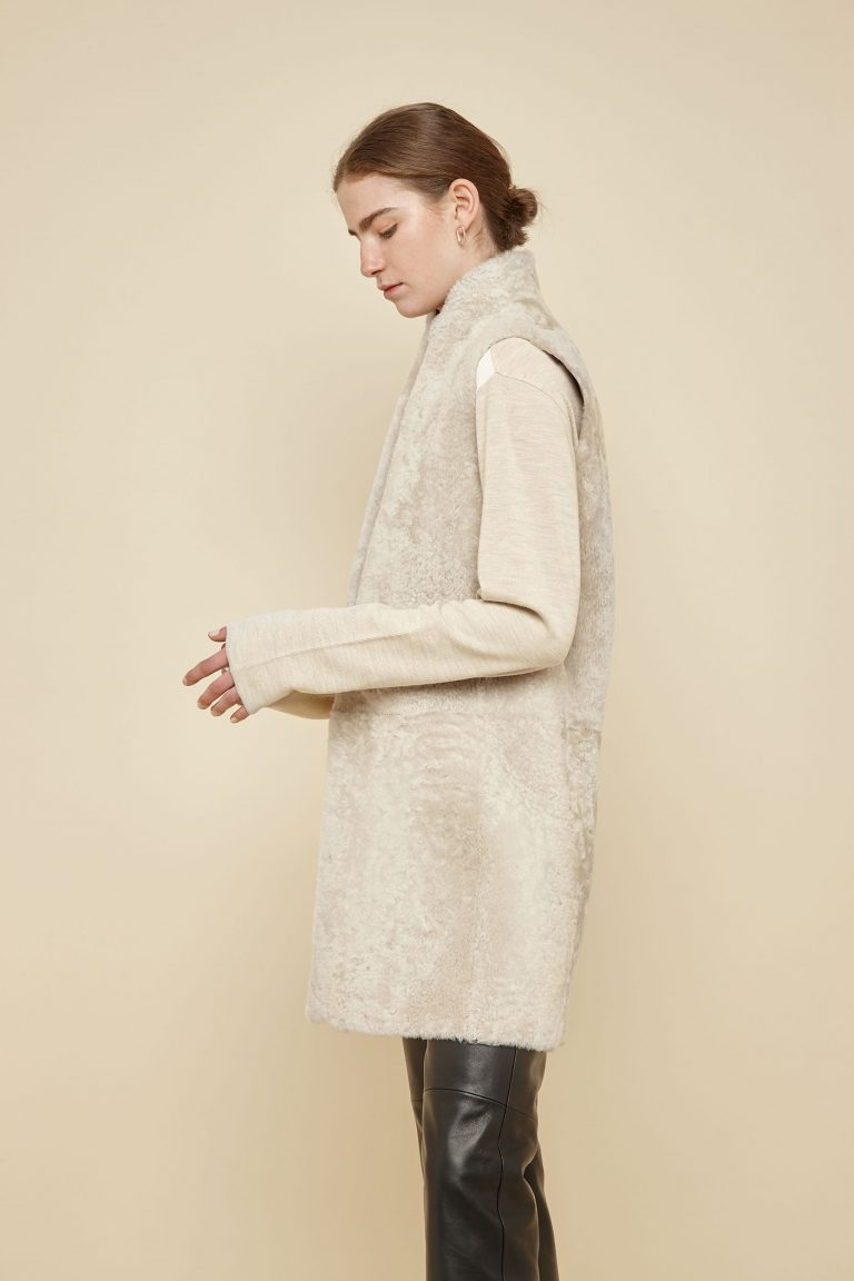 off white stand collar shearling gilet - women | gushlow and Cole - G3CX0-SAN - 40049