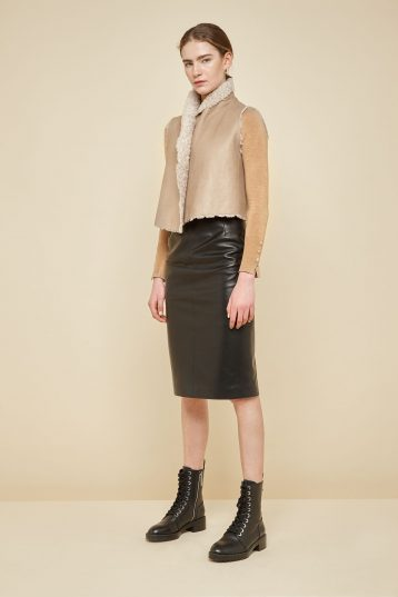 cropped rough cut cream shearling gilet - women | gushlow and Cole - GSRCX-SAN - 38652