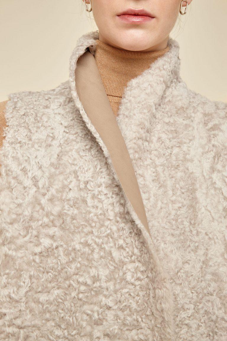 cropped rough cut cream shearling gilet - women | gushlow and Cole - GSRCX-SAN - 38665
