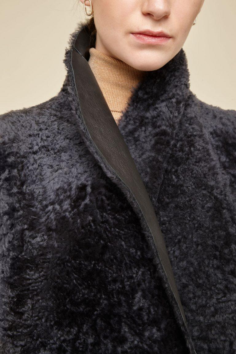 cropped rough cut dark grey shearling gilet - women | gushlow and Cole - GSRCX-GRA - 38940