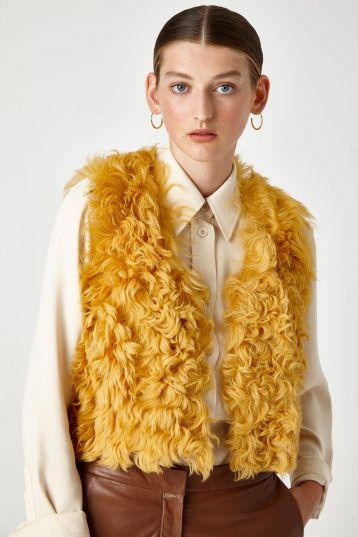 yellow shearling crop gilet - women | gushlow & Cole - GCCR0-SUN