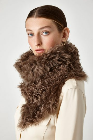 walnut brown shearling belted scarf - women | gushlow & Cole - STBR0-WAL