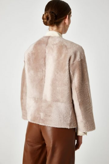 cream shearling cardigan jacket - women | gushlow & Cole - JVNCL0-SAN