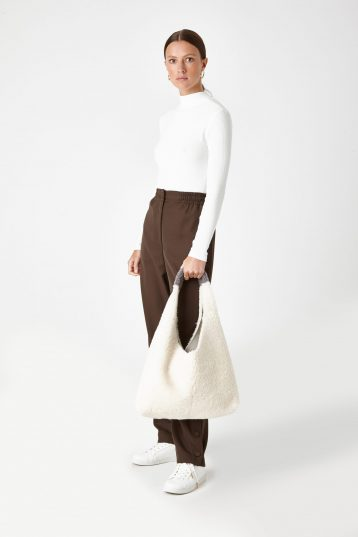 white shearling slouch bag - women | gushlow & Cole - BMSLOE-CLK