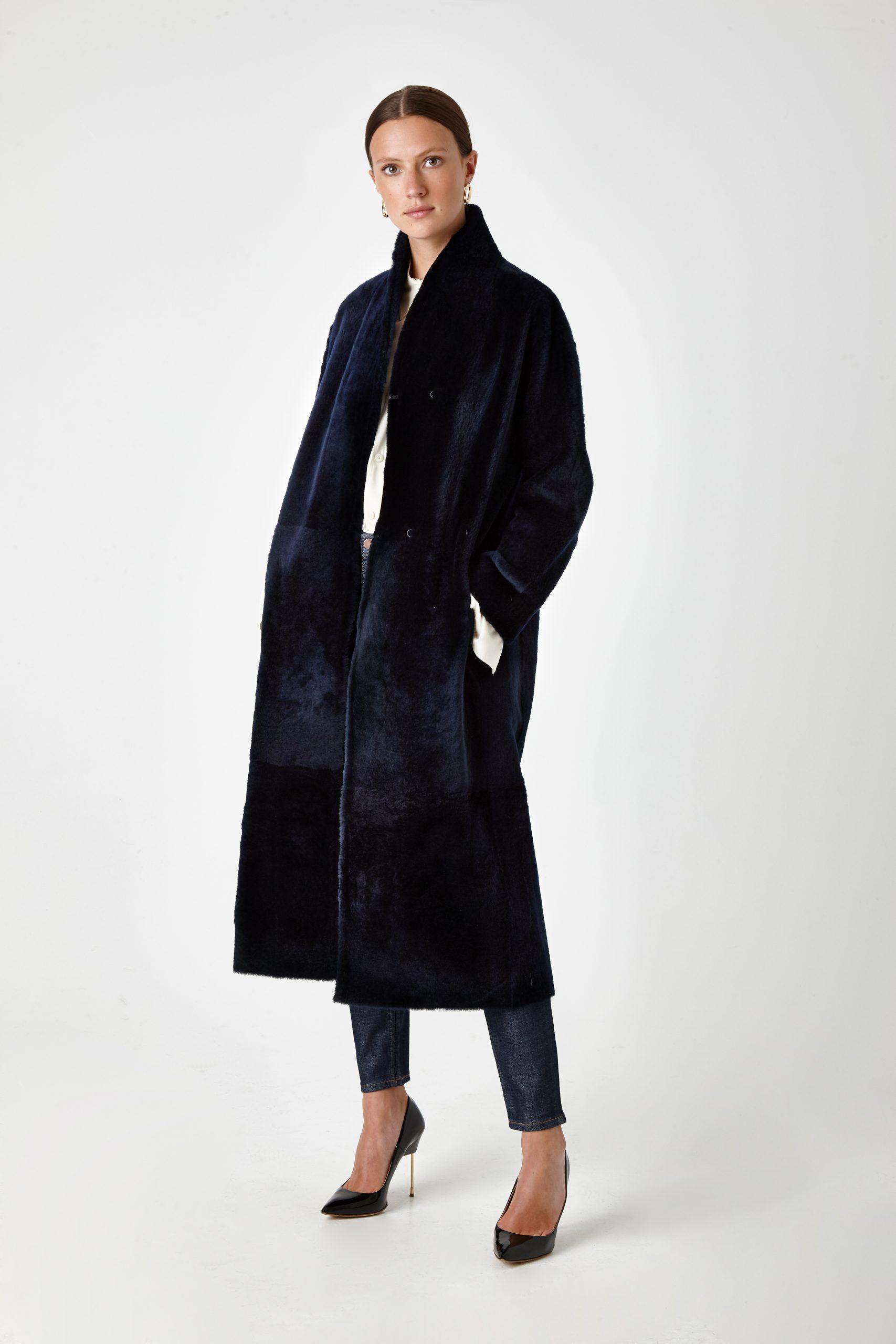 long shearling coat - women | Gushlow & Cole - CXCBL0-NAV