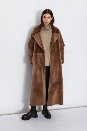Oversized Shearling Trench Coat in Camel | Women | Gushlow & Cole