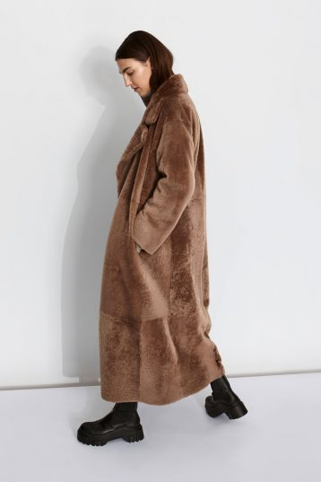 Oversized Shearling Trench Coat in Camel | Women | Gushlow & Cole 2