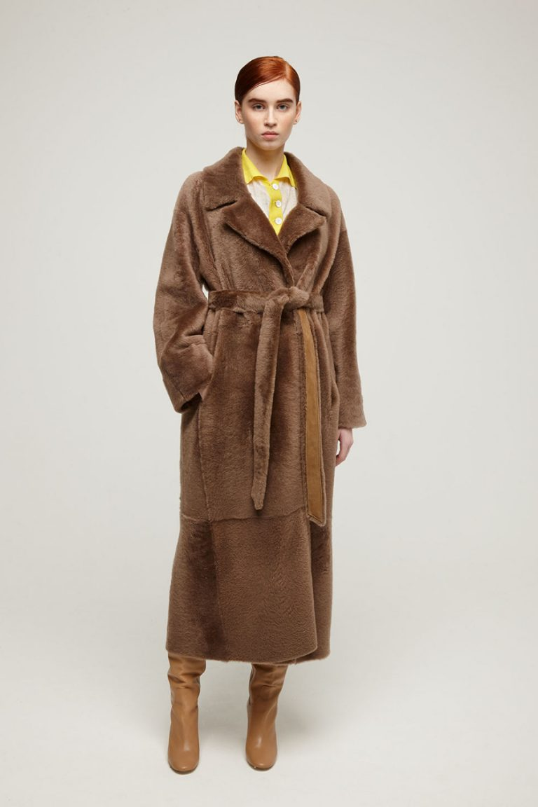 Oversized Shearling Trench Coat in Camel | Women | Gushlow & Cole 3