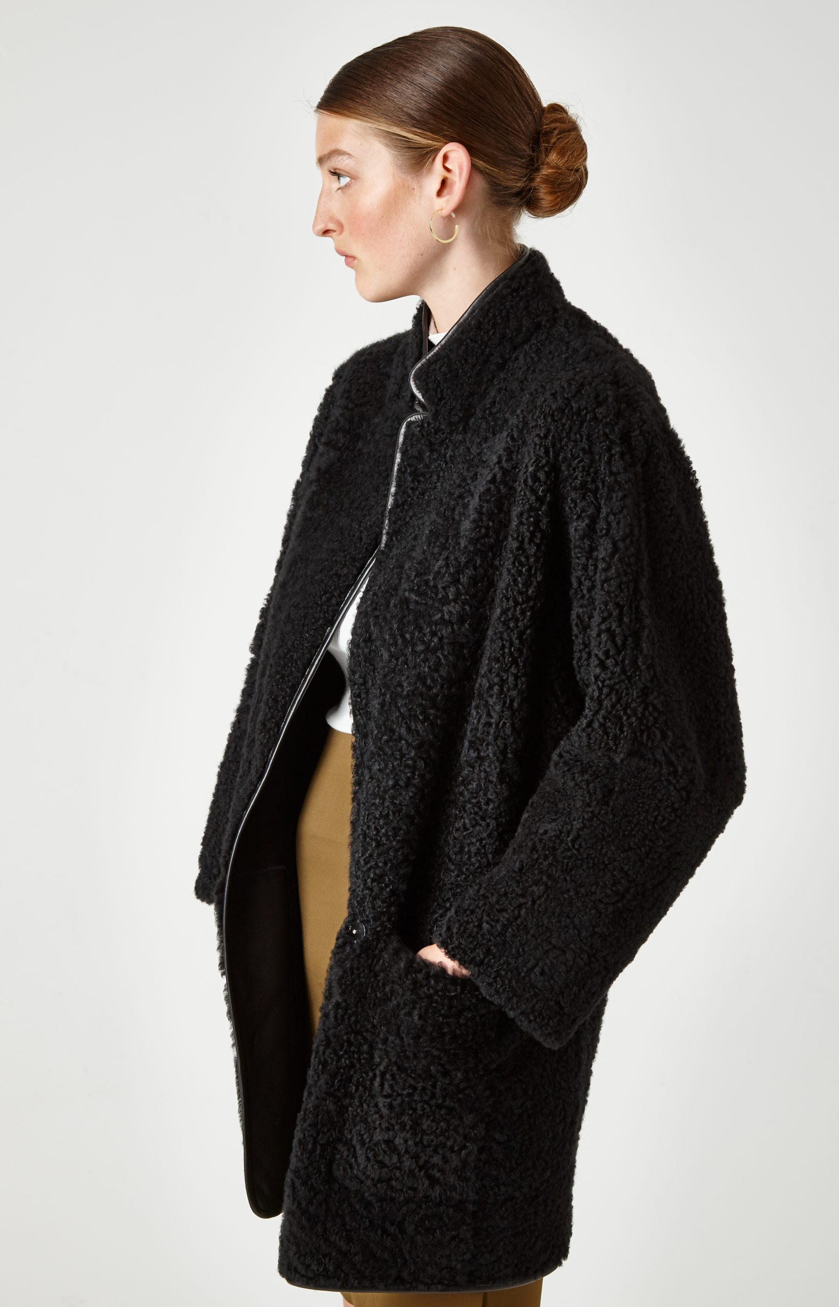 batwing shearling Coat - women | Gushlow & Cole - JXBWC0-BLK