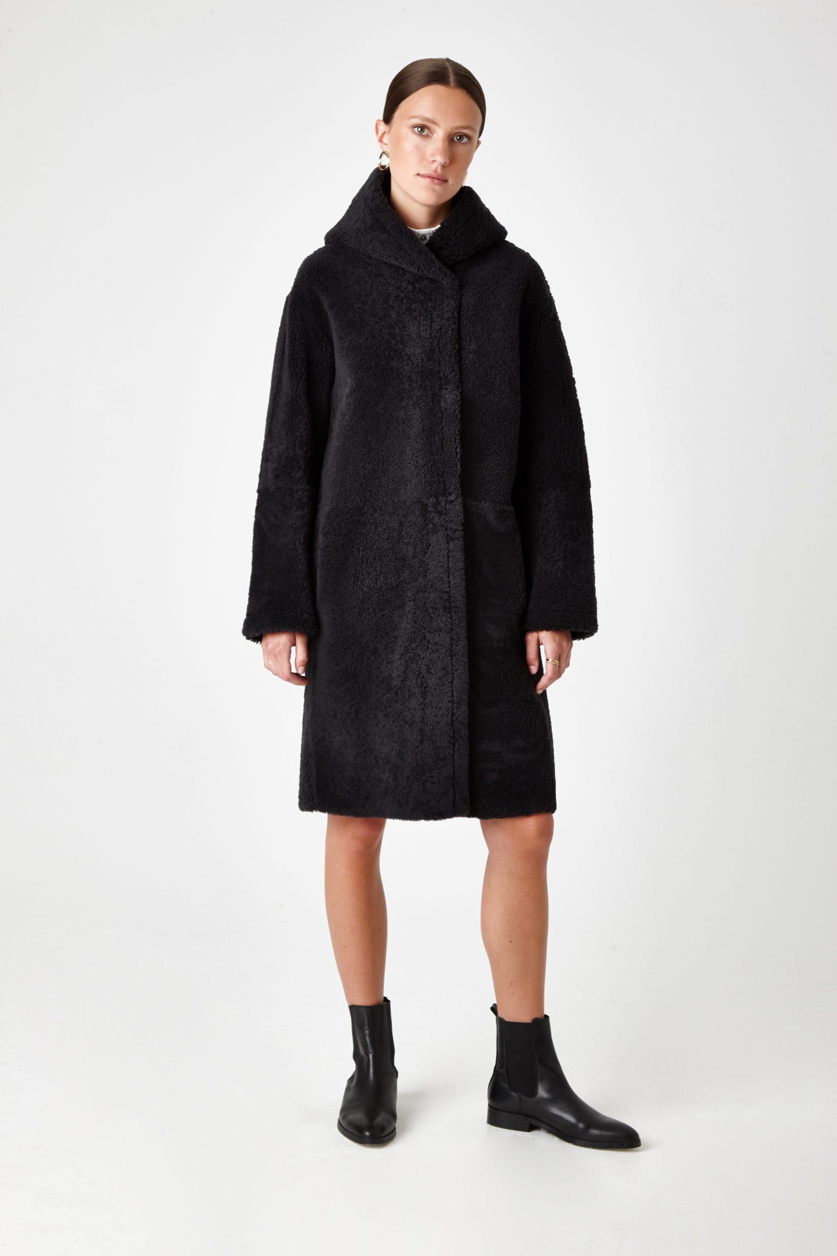 hooded shearling coat - women | Gushlow & Cole - CHODE0-GRA
