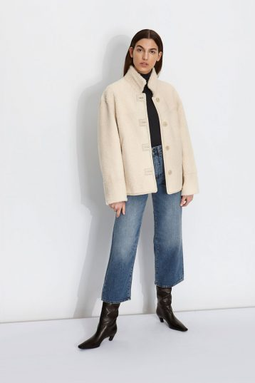 Boxy Shearling Jacket in White | Women | Gushlow & Cole
