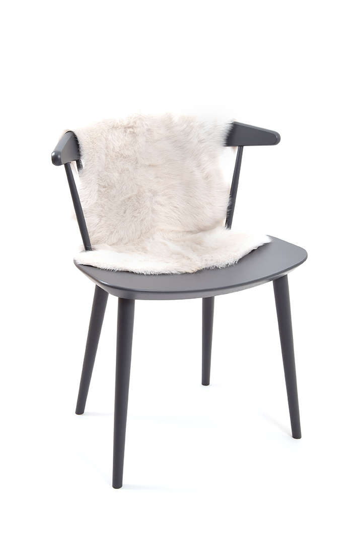 Small Toscana Sheepskin Rug in White side